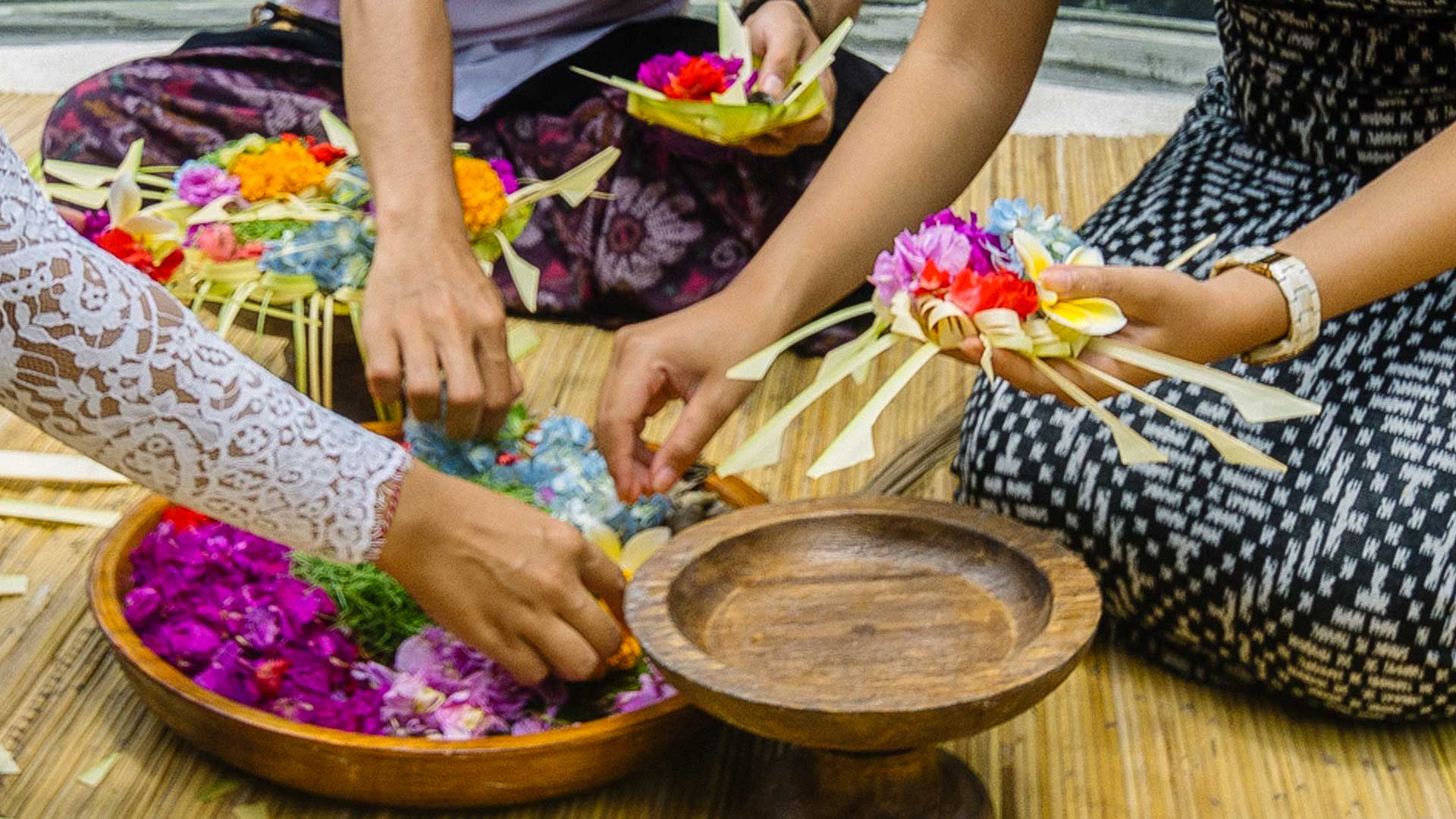 Balinese Offering Class With Purification